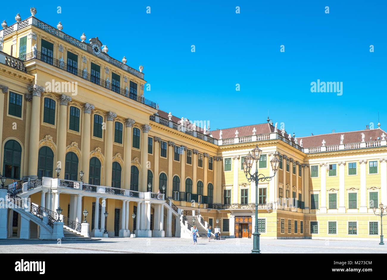 L'Autriche, Vienne, la façade principale du palais Schönbrunn Photo Stock