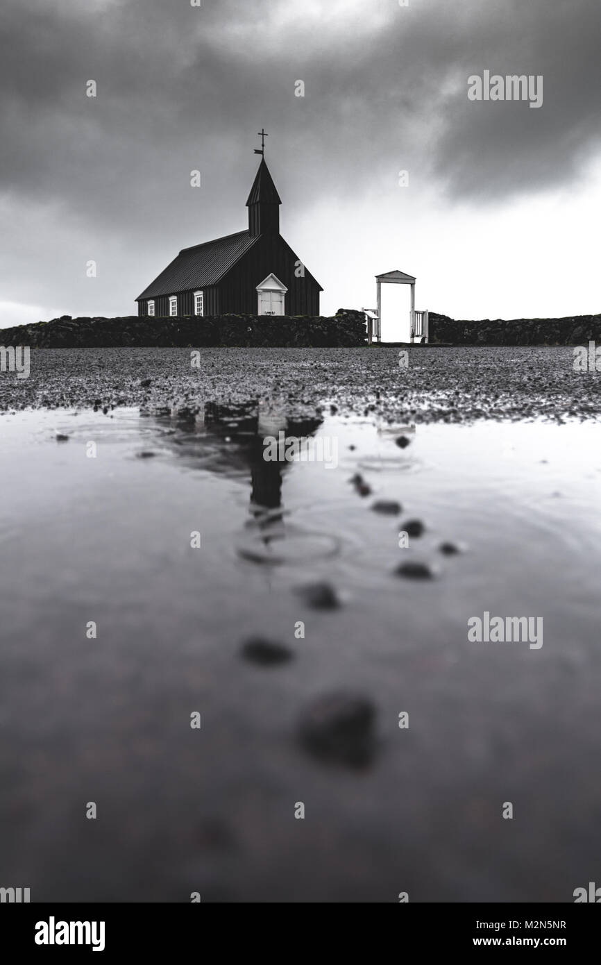 Budir reflète l'église Photo Stock