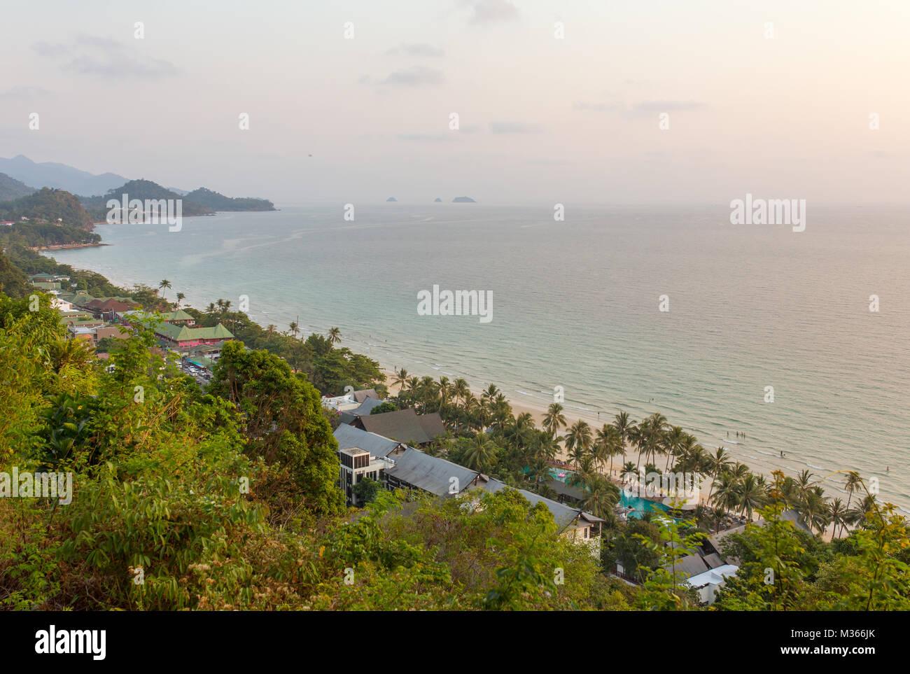 Belle vue de paysage tropical White Sands Beach, Koh Chang, Trat, Thaïlande. Banque D'Images