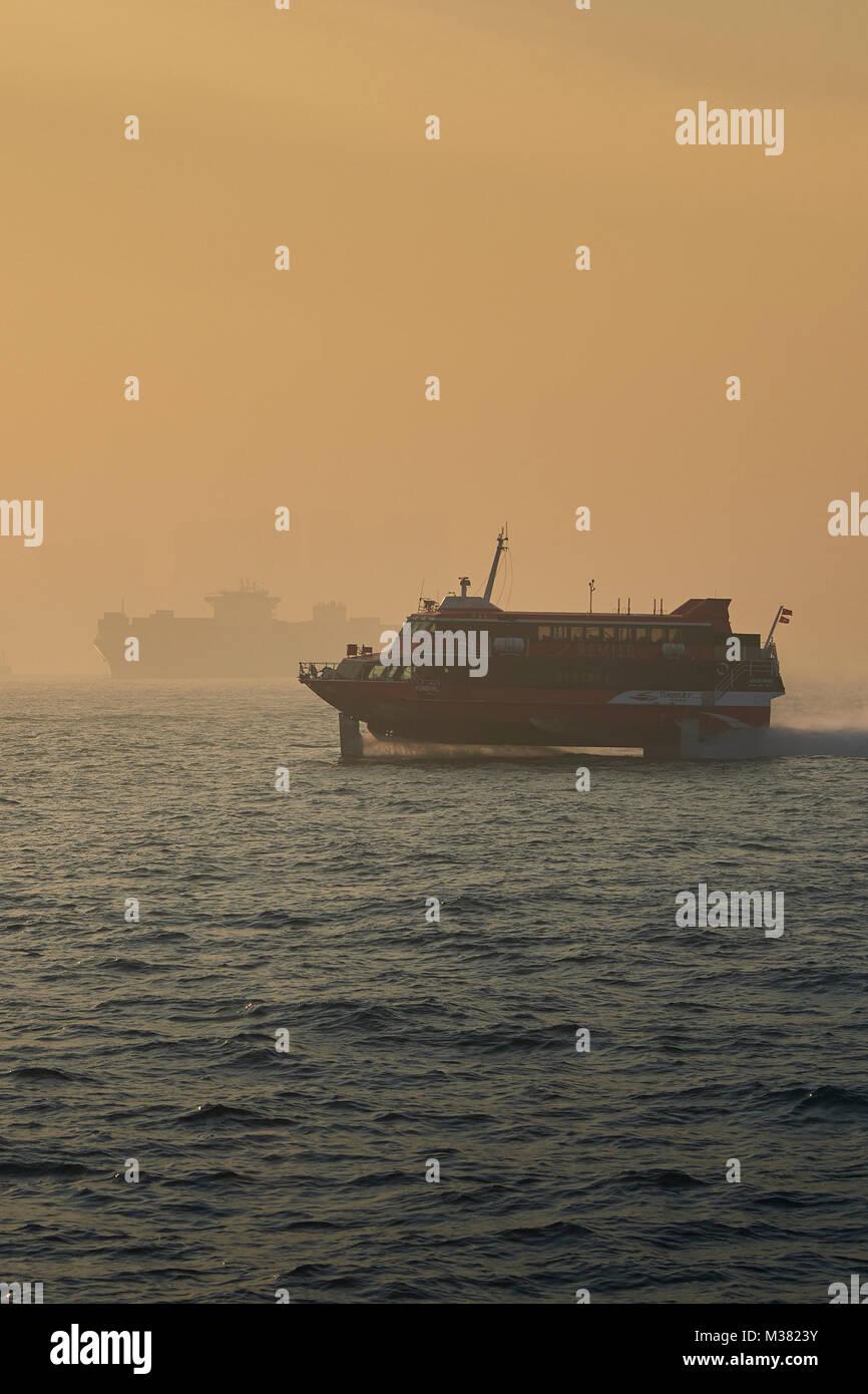 c0bf620161e448 Macao à Hong Kong Ferry hydroglisseur Boeing turboréacteur, traversant l est  du chenal de