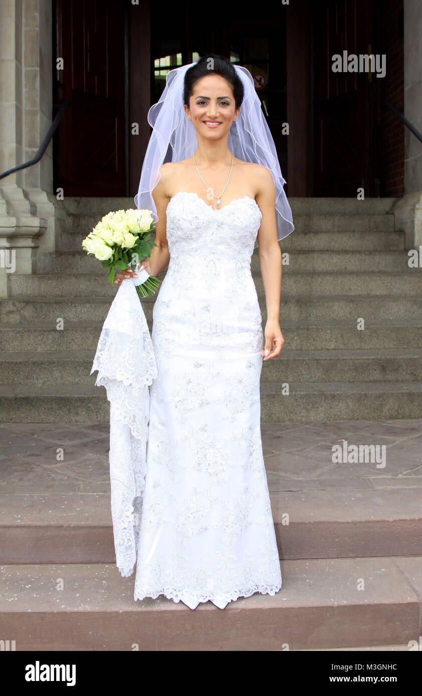 Tolle Hochzeitskleid Für Rathaus Fotos - Brautkleider Ideen ...