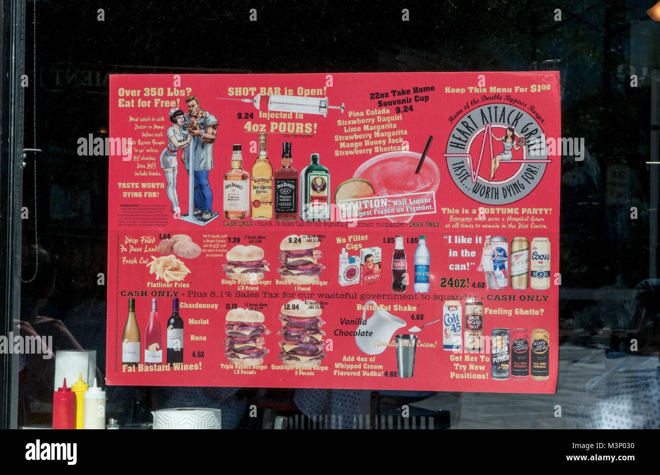 Las Vegas, Nevada. Crise cardiaque Grill. Le menu montrant tous les aliments malsains qu'il sert. Photo Stock