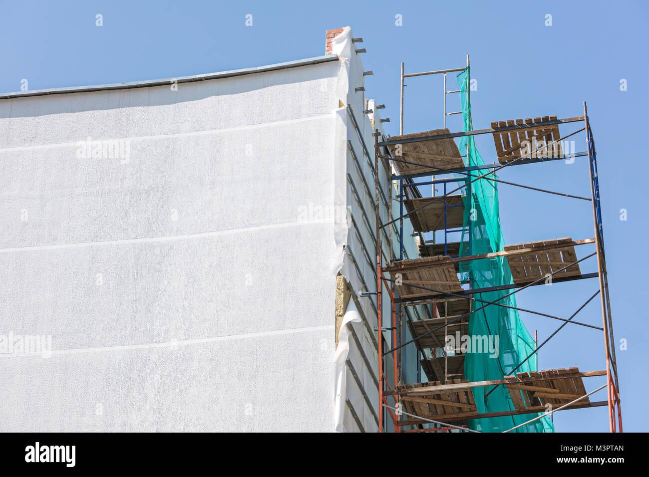 Isolation Mur Exterieur Renovation isolation extérieure thermique de bâtiment. plâtrer et