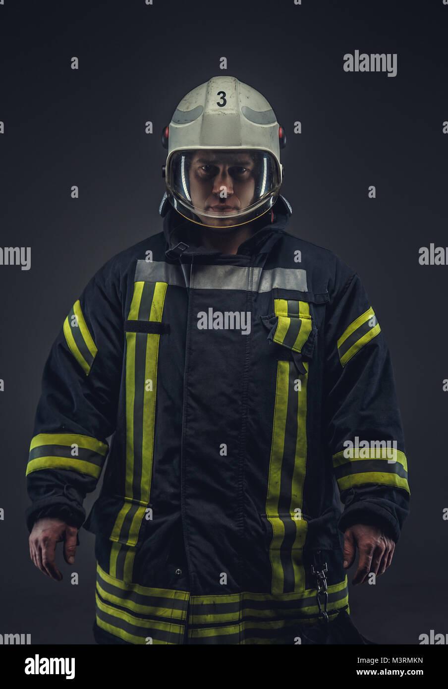 Photo de pompier en uniforme. Photo Stock