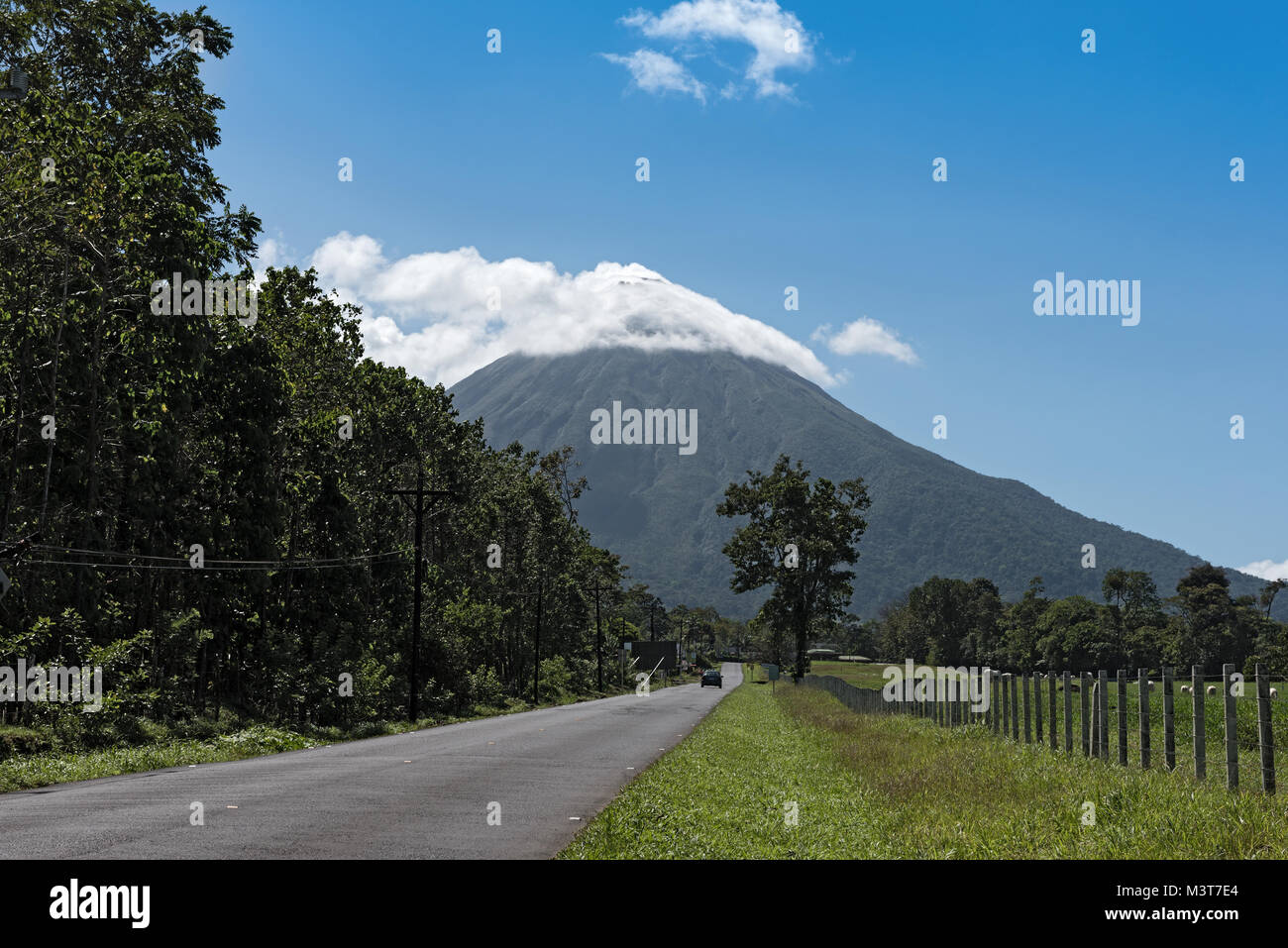 Route de le volcan Arenal au Costa Rica Photo Stock