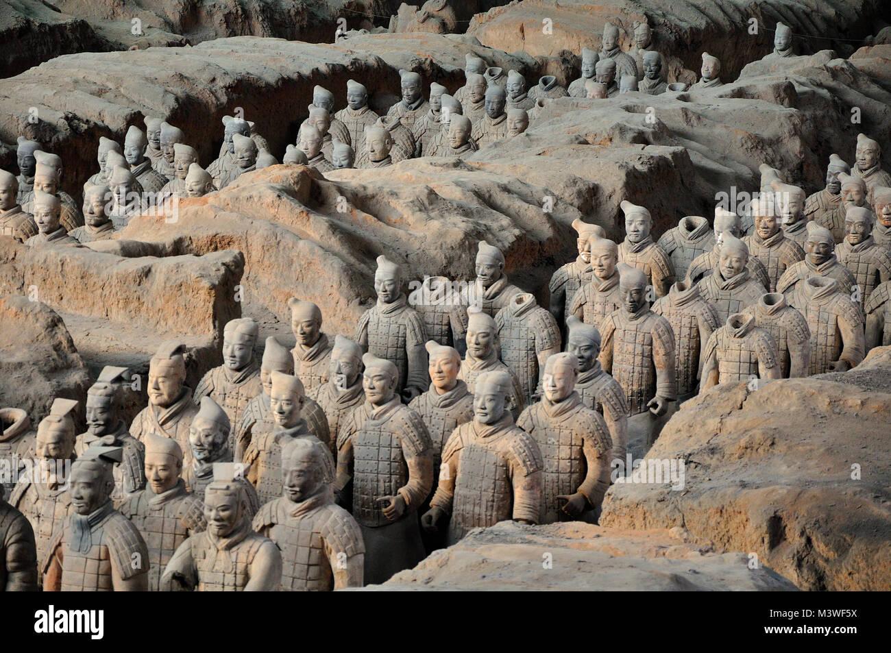 Anciens guerriers en terre cuite du tombeau de l'empereur garde de l'armée de Xi'an, Chine Photo Stock