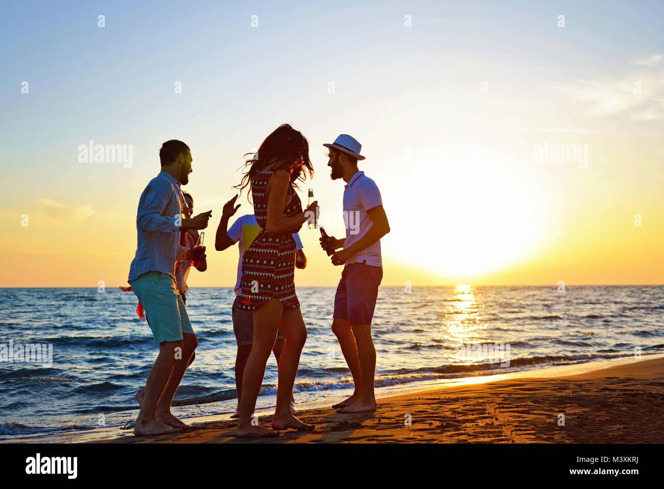 Les gens célébration Fête sur la plage des vacances Vacances Photo Stock