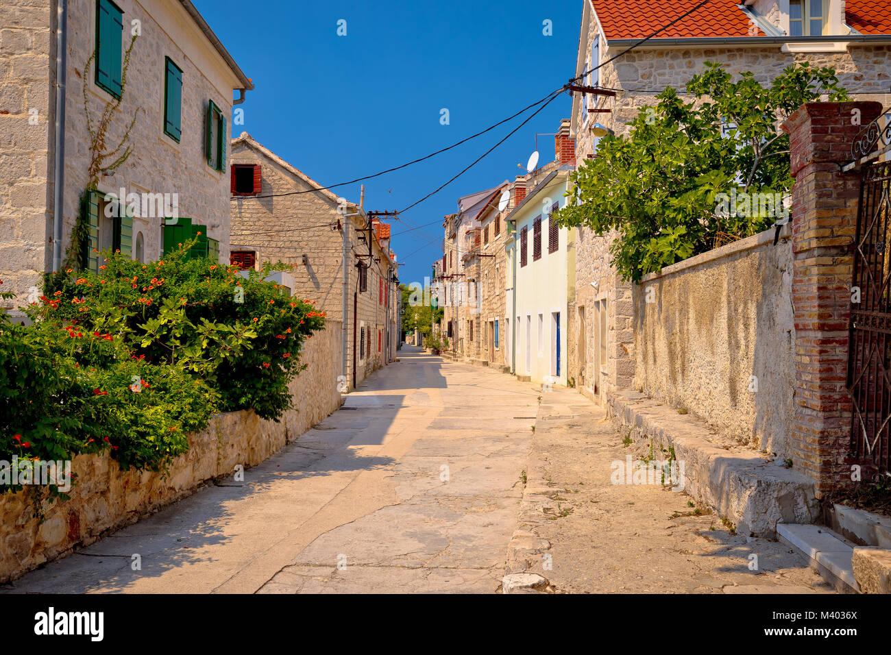 Prvic Luka méditerranéens colorés Street View, l'archipel de la dalmatie Sibenik, Croatie Photo Stock