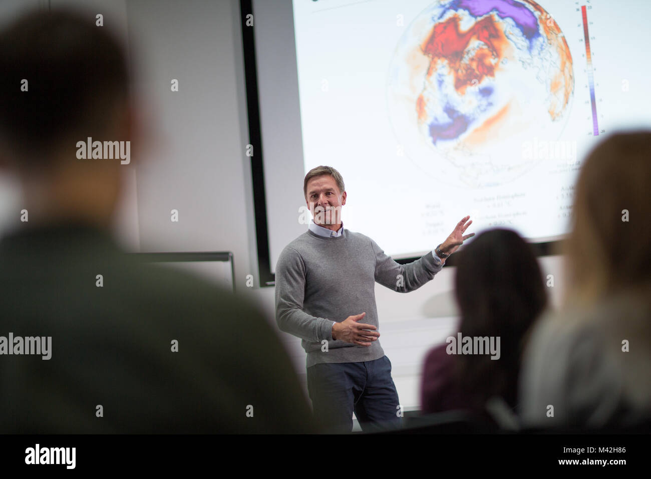 Professeur donnerait des cours à college Photo Stock