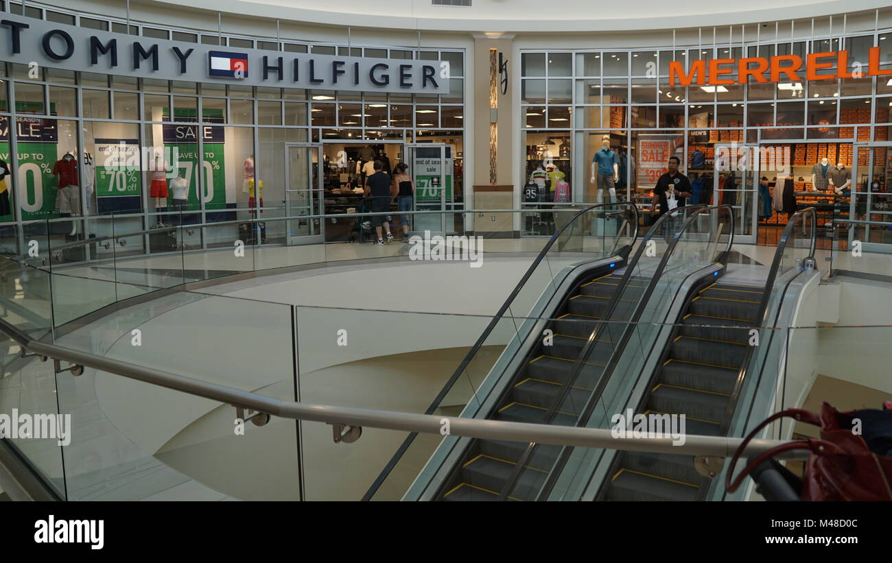 b347713445c Tanger Outlet Photos   Tanger Outlet Images - Alamy