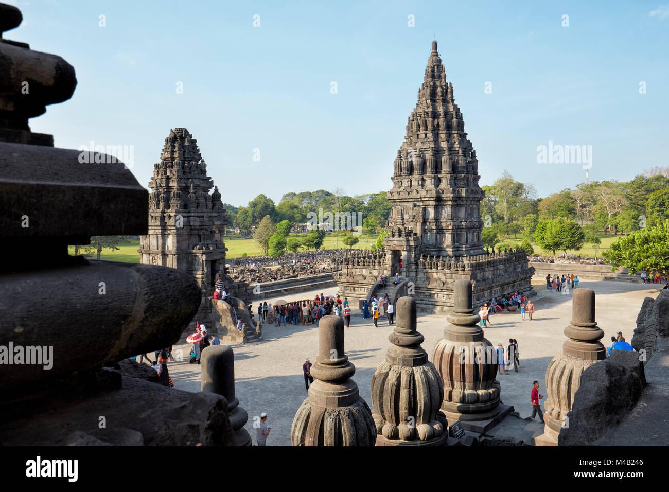 Temple Hindou de Prambanan composé. La région spéciale de Yogyakarta, Java, Indonésie. Photo Stock
