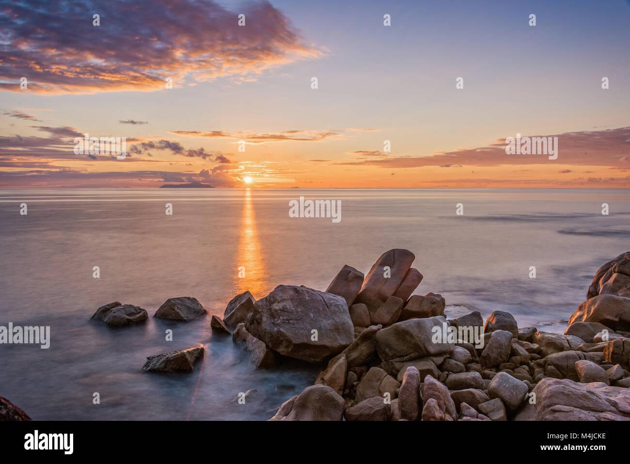 Coucher du soleil de l'Océan indien, les Seychelles Photo Stock