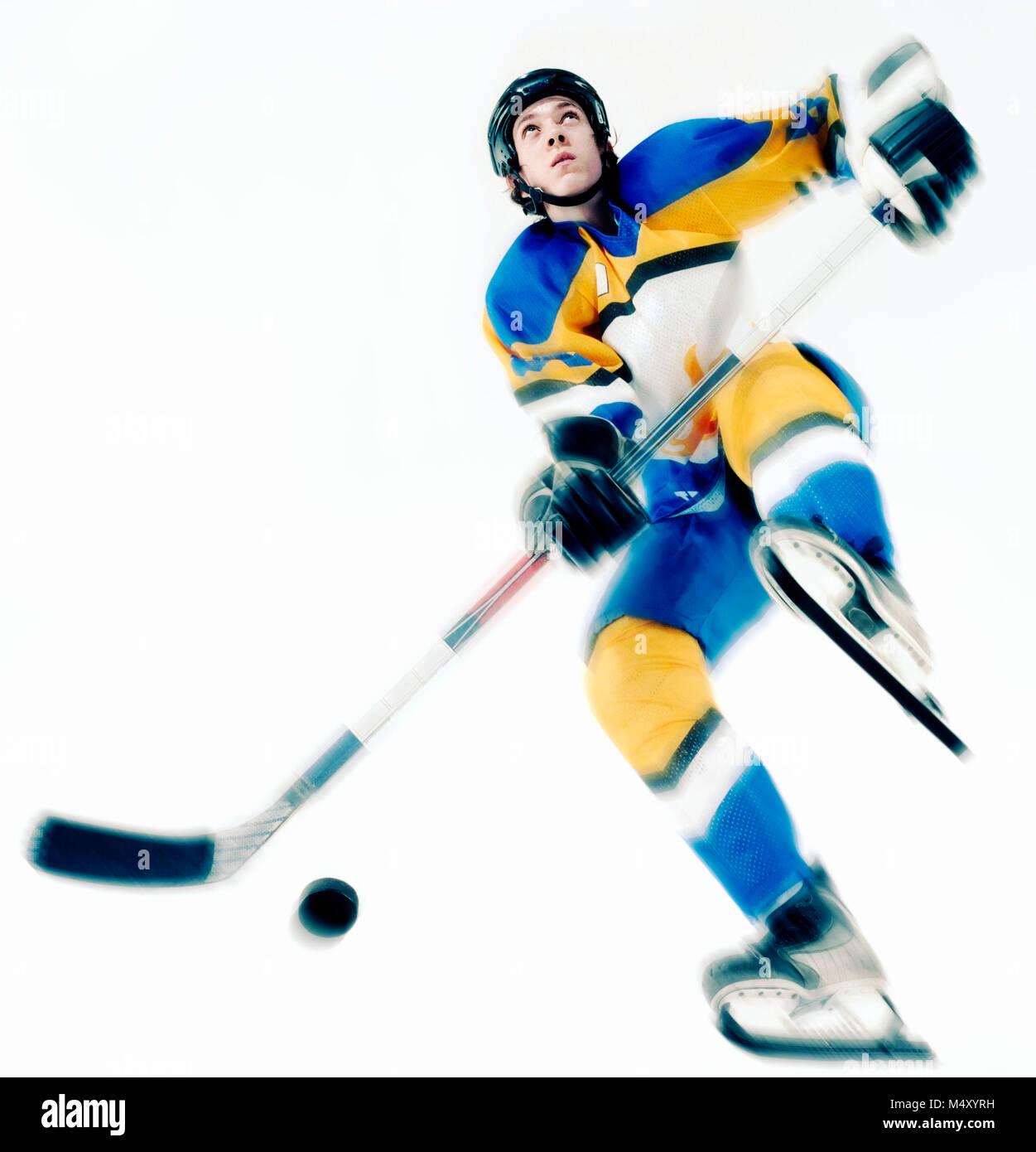 Un joueur de hockey sur glace Banque D'Images