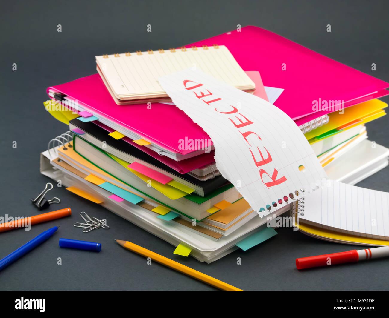 La pile de documents d'affaires; Rejeté Photo Stock