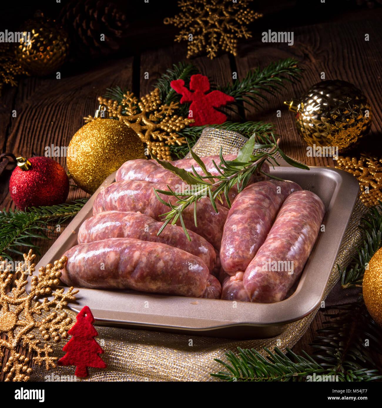 Saucisses fraîches maison Banque D'Images