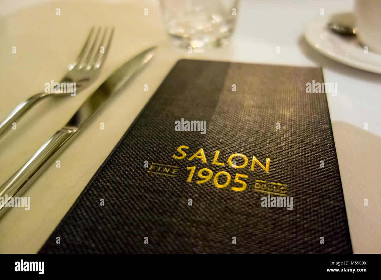 E projet de loi dans le cadre du Salon 1905, un restaurant gastronomique à Belgrade, Serbie Photo Stock