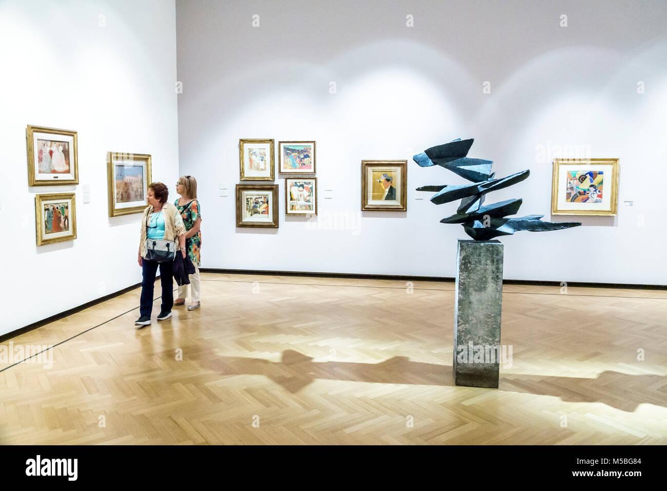 argentine buenos aires recoleta museo nacional de bellas artes muse national des beaux arts galerie intrieur peintures sculpture pablo curatella manes