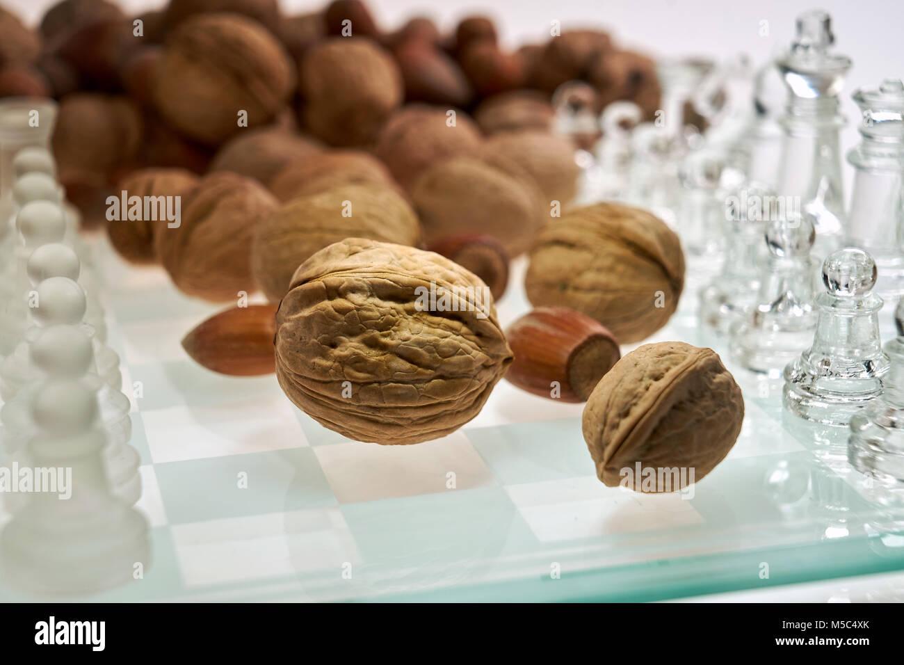 Améliorer l'efficacité du cerveau les écrous (visualisation) - Les échecs, échecs avec Photo Stock