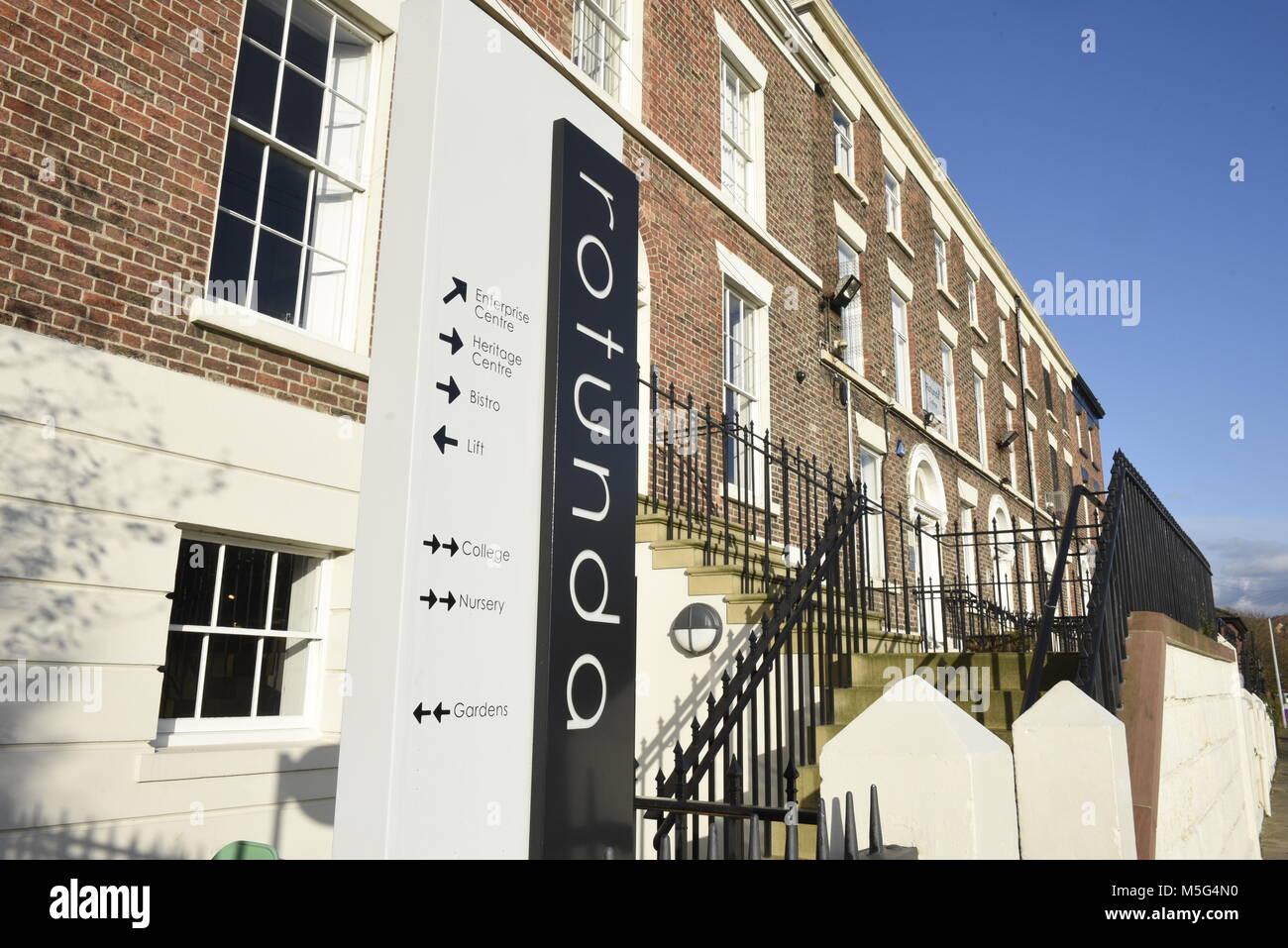 La rotonde, un collège à Liverpool, 109 Grand Mersey St, Liverpool L5 2PL. C'est un centre d'éducation Photo Stock