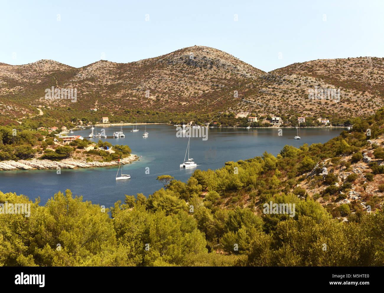 Belle Baie de la Méditerranée. Skrivena luka, île de Lastovo, Croatie Photo Stock