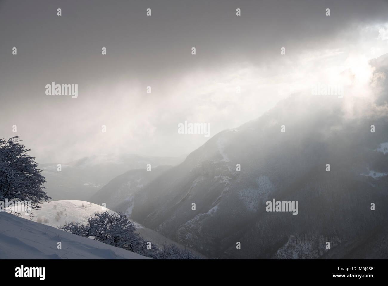 L'Italie, l'Ombrie, Motette, l'hiver dans les Apennins Photo Stock
