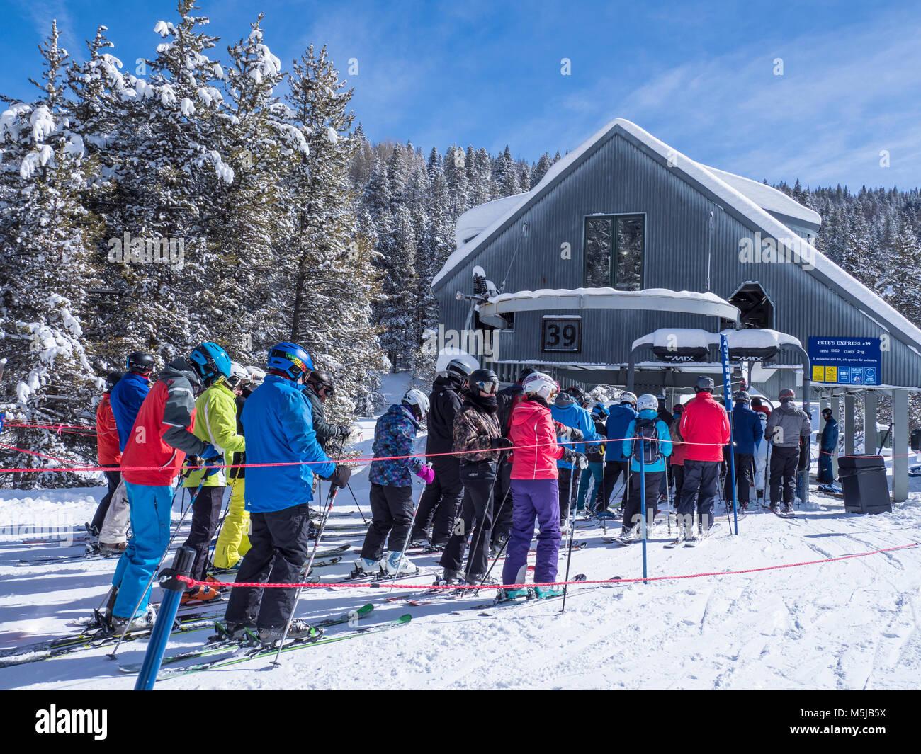 Ligne de levage chez Pete's Express 39, hiver, Blue Sky Basin, Station de Ski de Vail, Vail, Colorado. Photo Stock