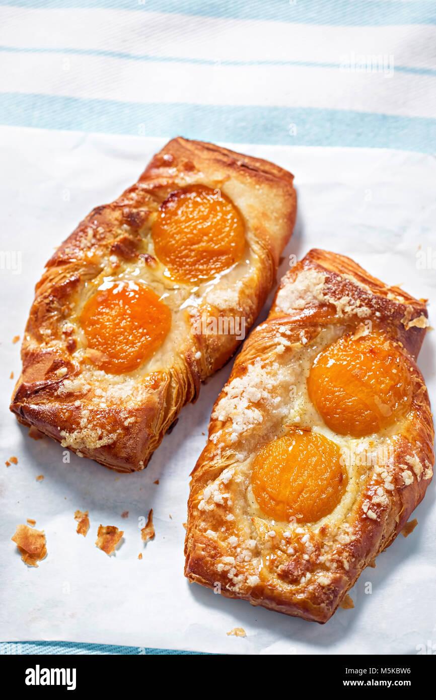 La pâtisserie française d'abricot Photo Stock