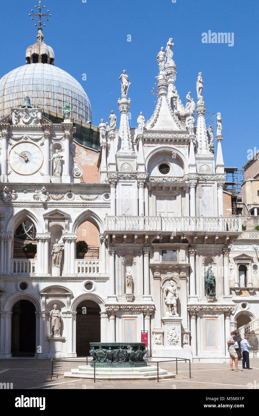 Cour intérieure du palais des Doges, Le Palais Ducale, ou Palais des Doges, Venise, Vénétie, Italie Photo Stock
