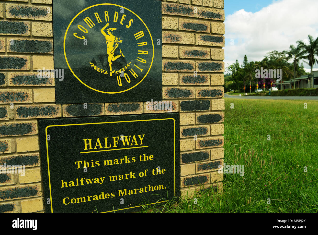 Le marqueur indiquant la moitié de la célèbre Marathon camarades aka The Ultimate Race humaine Photo Stock