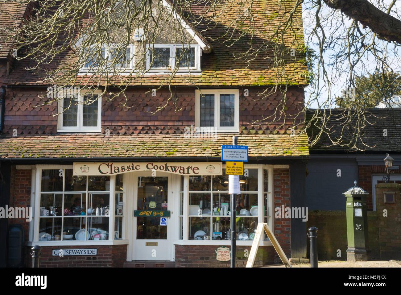 Cuisine classique boutique sur High Street, dans le centre-ville de Haslemere, Surrey, UK Banque D'Images