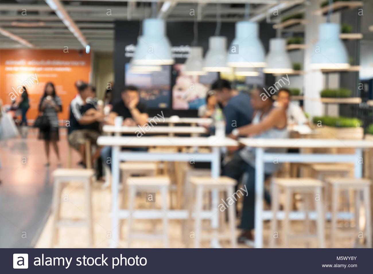 Café - Café à l'arrière-plan flou Photo Stock