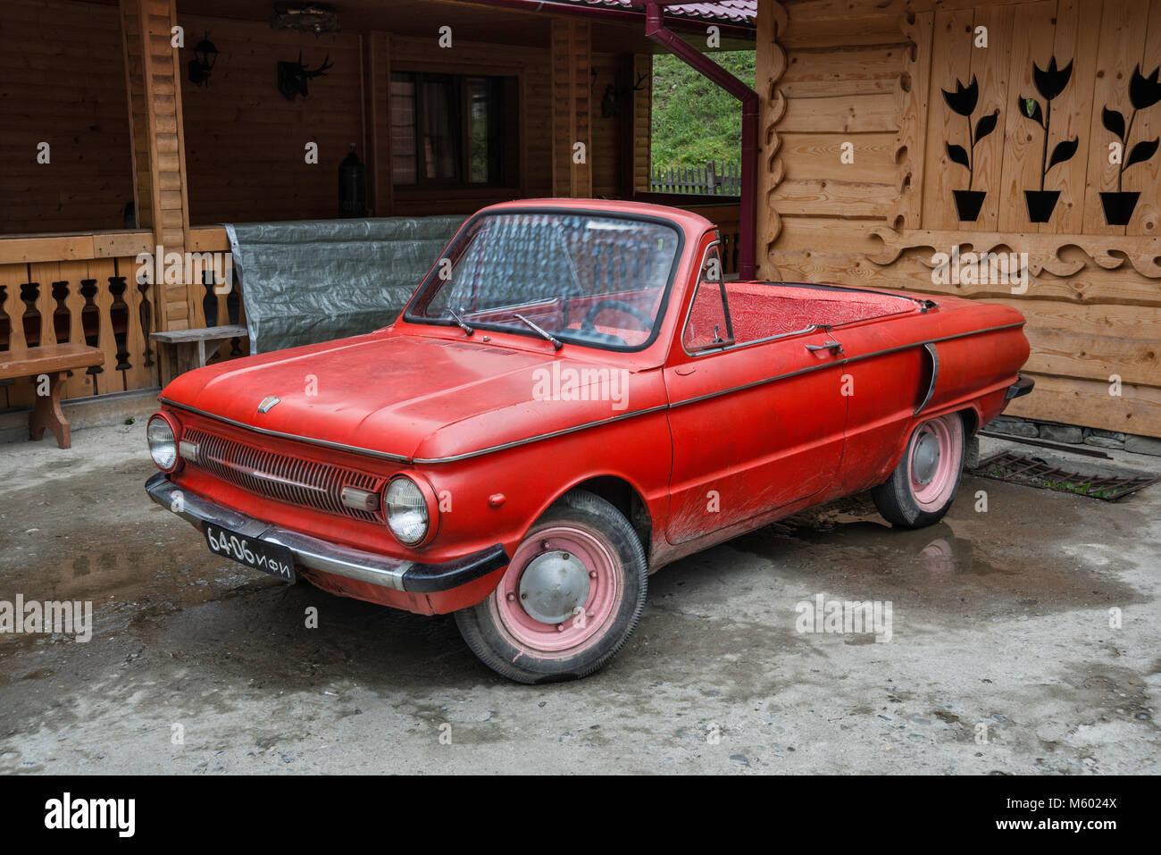 1969 Moskvitch 412 ZAZ-966, 1960 voiture soviétique avec moteur à l'arrière, converti en cabriolet, Photo Stock
