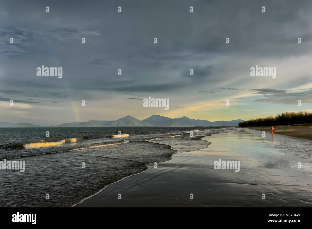Yorkeys Knob beach pendant une tempête, plages du nord de Cairns, Far North Queensland, Queensland, Australie, Photo Stock