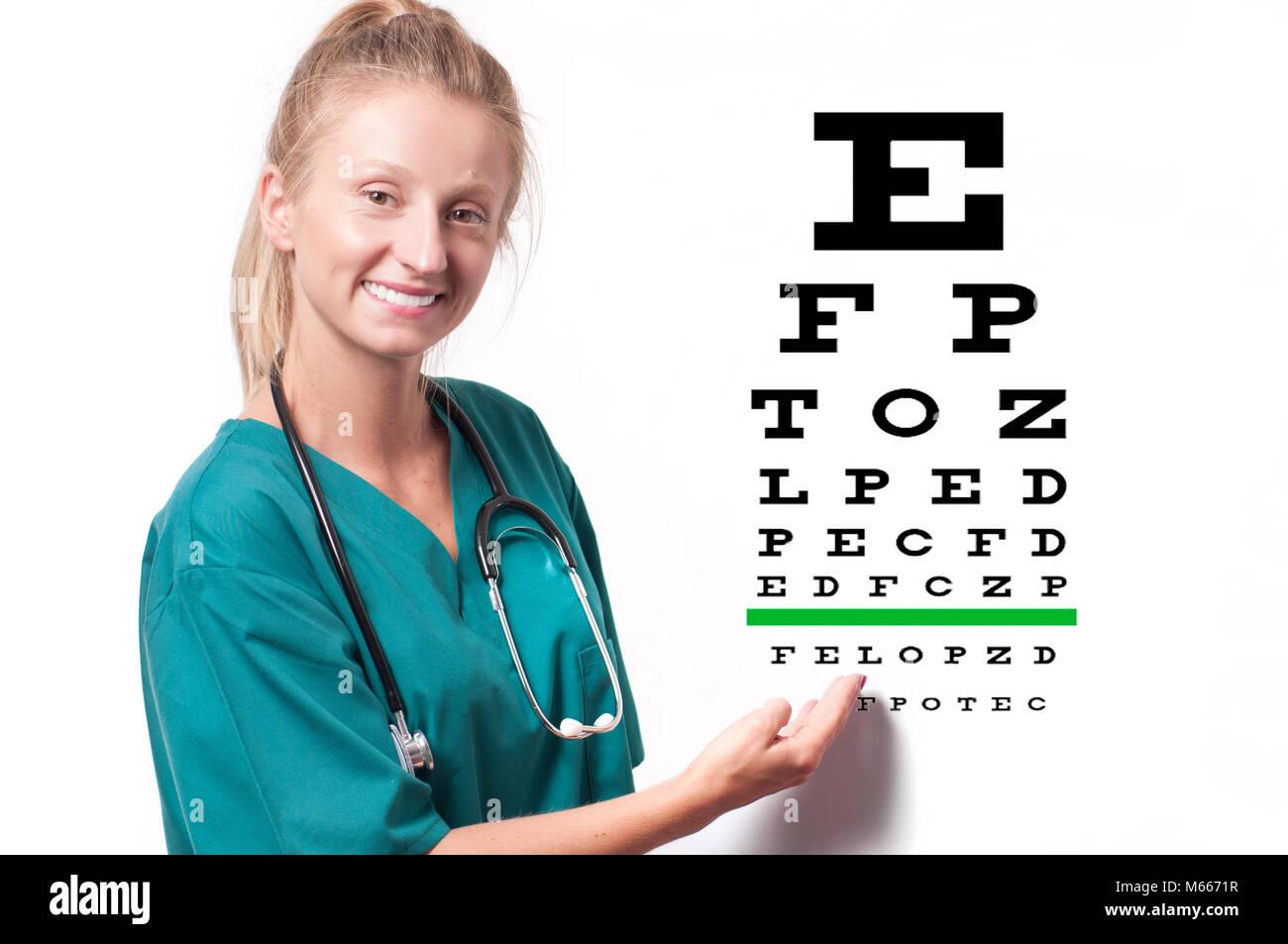 Jeune femme sur d oculiste de la vue graphique. Opticien médecin faire un  examen d oeil b10a796b03d0
