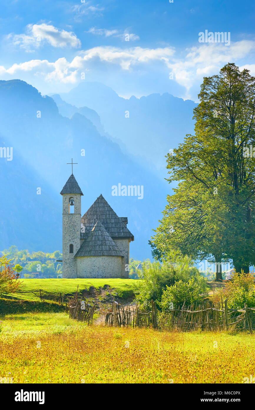 Le Parc National de Theth, Alpes albanaises, Albanie Photo Stock