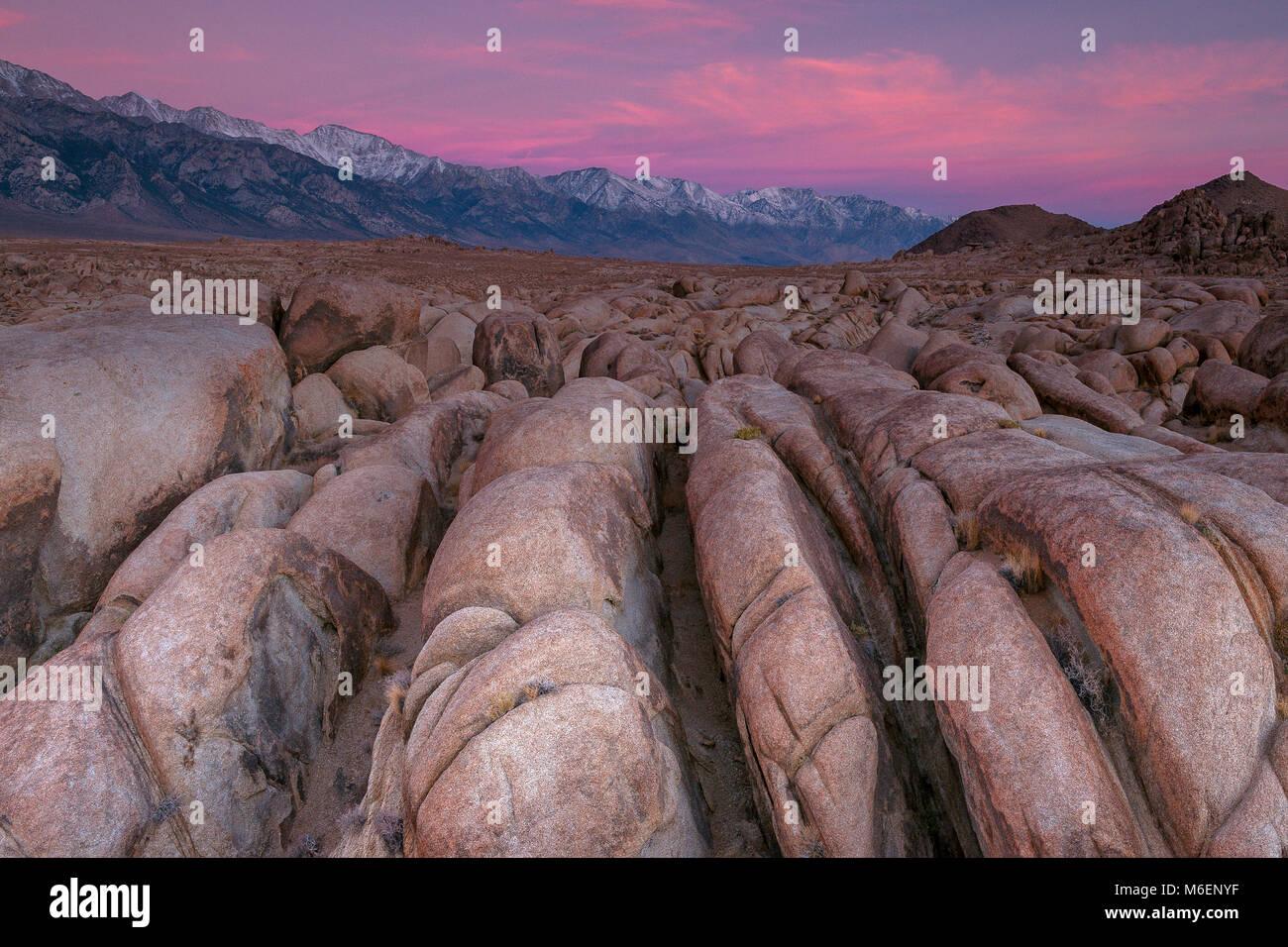 L'aube, Alabama Hills, l'Est de la Sierra, Inyo National Forest, Californie Photo Stock
