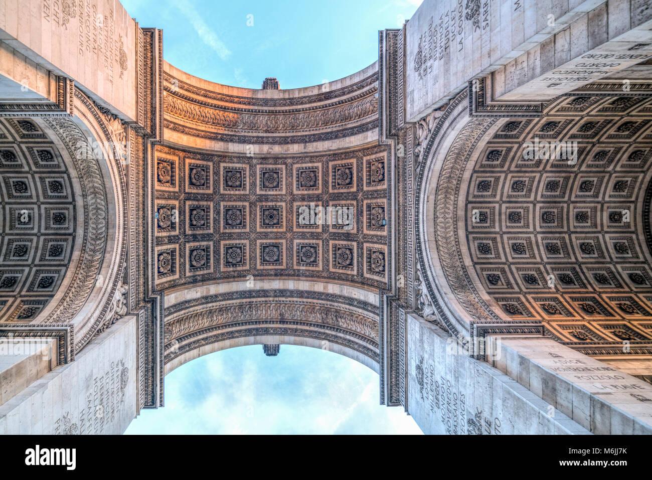 Arc de Triomphe de l'Étoile, low angle view, Paris, France. Photo Stock