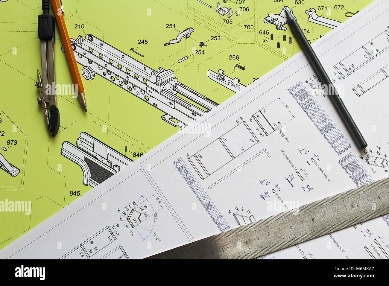 Plan avec crayon, compas et règle en acier Banque D'Images