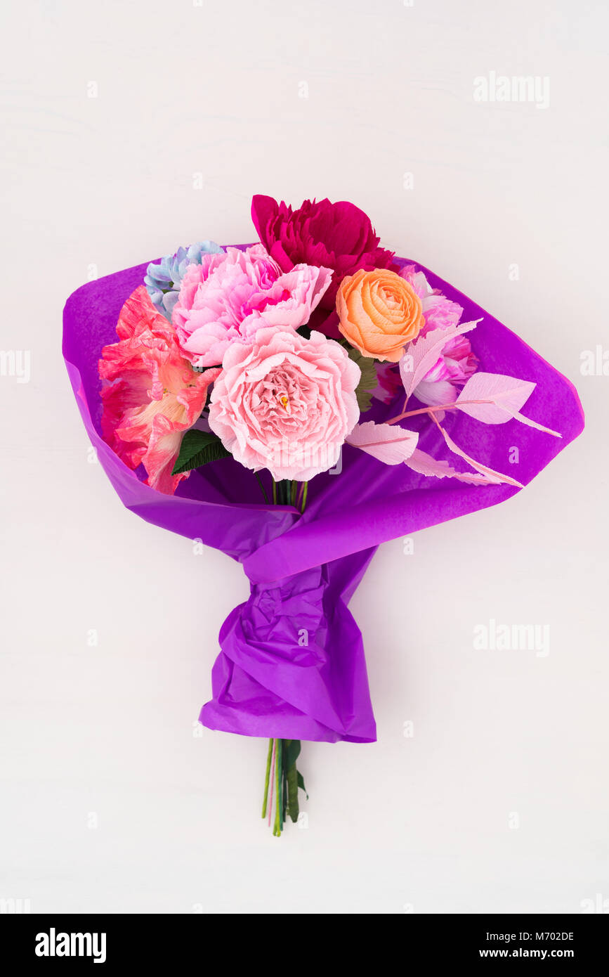 Bouquet De Fleurs Papier Crepon Banque D Images Photo Stock