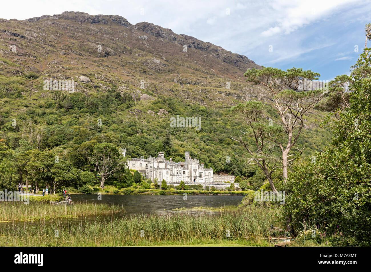 L'Abbaye de Kylemore, dans le comté de Galway, en République d'Irlande. L'Irlande. Ce monastère Photo Stock