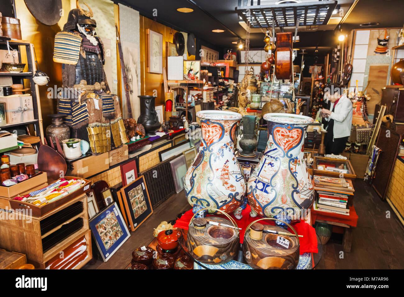 Le Japon, Honshu, Tokyo, magasin d'Antiquités Photo Stock