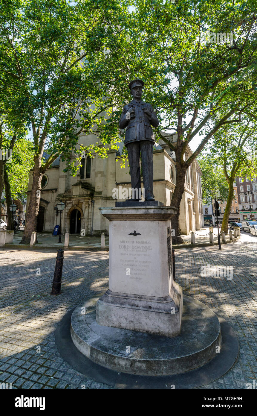 Statue de l'Air Chief Marshal Lord Dowding, City of London, UK Photo Stock