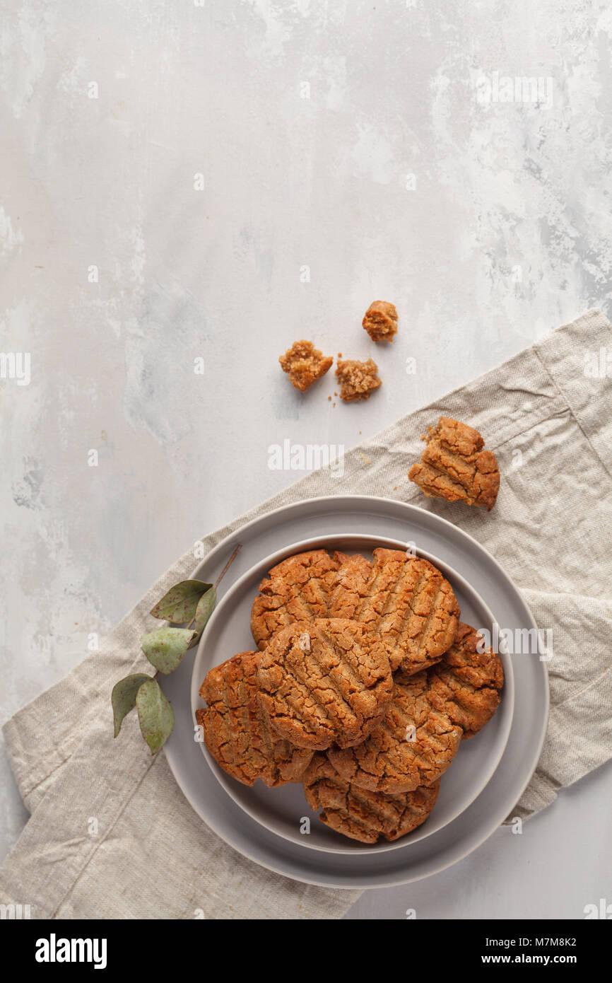 Des cookies vegan sain. Concept d'aliments végétariens. Photo Stock