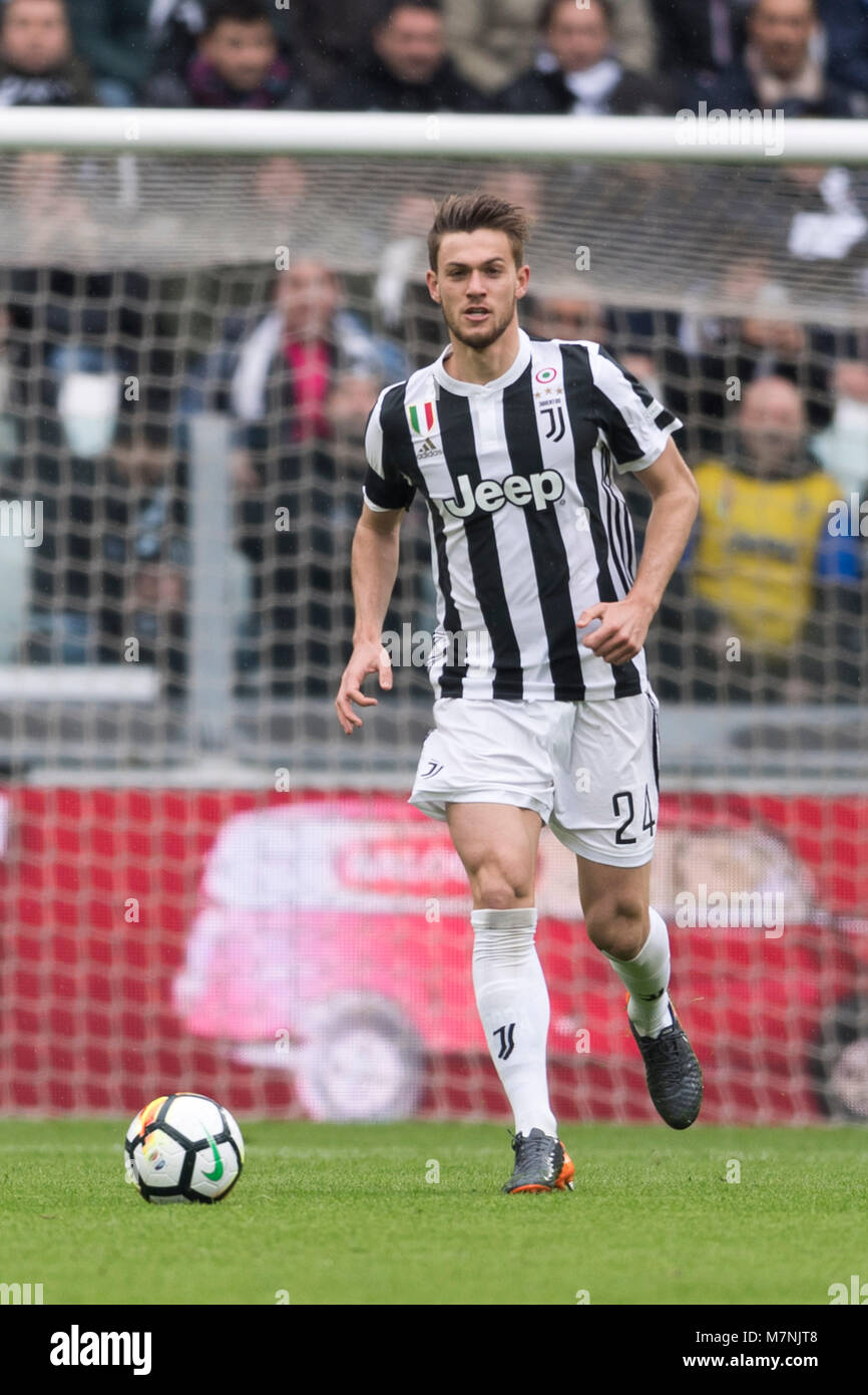 daniele rugani de la juventus lors de la 39 serie 39 italien un match entre la juventus 2 0 udinese. Black Bedroom Furniture Sets. Home Design Ideas