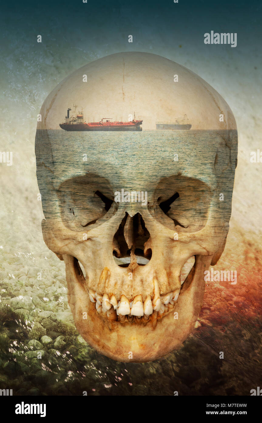Montage photo conceptuelle représentant un crâne, la mort, les navires et la mer. Photo Stock