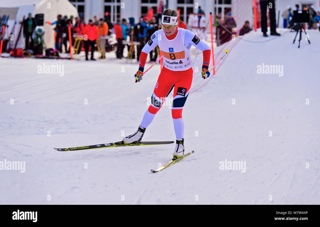 La fondeuse Mari Eide, de la Norvège, sur la 38. Engadin Skimarathon nuit sprint, 9 mars 2018, Saint-Moritz, Photo Stock