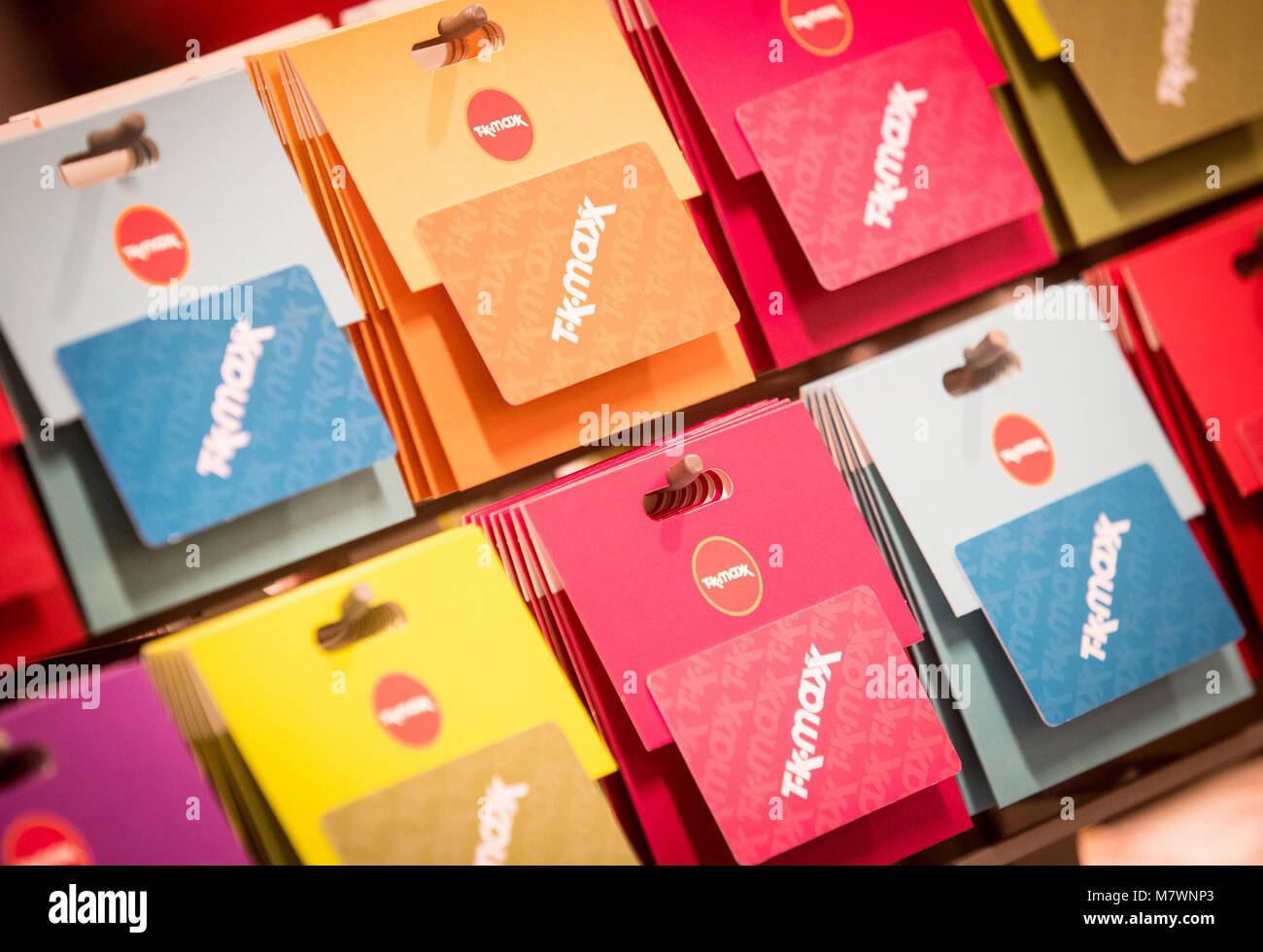 TK Maxx cartes-cadeaux à l'écran dans un magasin TK Maxx Photo Stock
