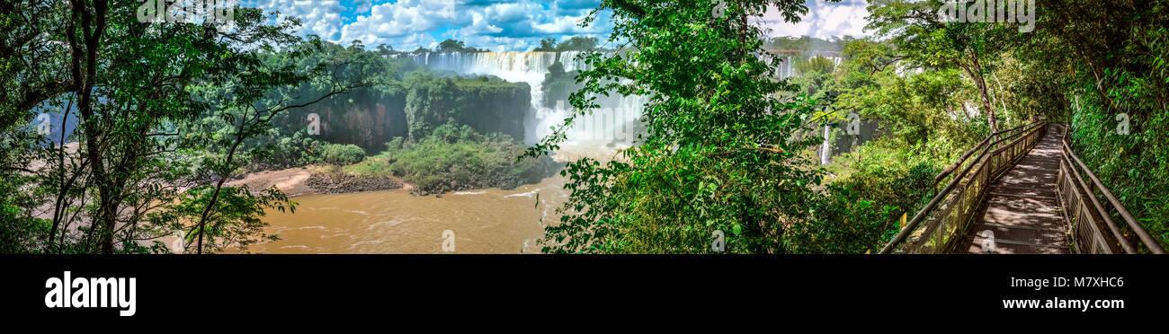 Vue panoramique des chutes d'Iguaçu Argentine spectaculaire Banque D'Images
