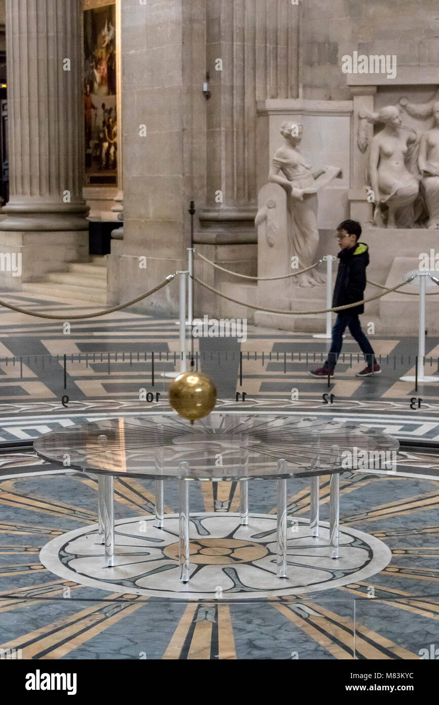 Le Pendule De Leon Foucault Le Pantheon Paris France Photo Stock Alamy