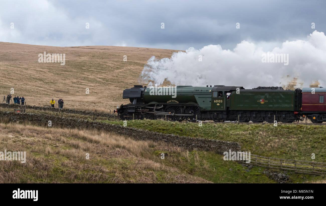 Soufflant de la vapeur, de l'emblématique locomotive classe A3 60103 LNER Flying Scotsman voyages passé Photo Stock